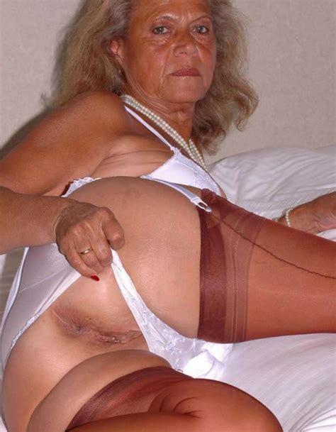 beautiful mature women vidioes jpg 851x1094
